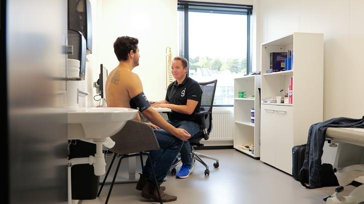 201208_stockfoto_helseundersøkelser-2-sykefravær-lege-blodtrykk