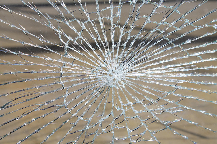 avvik-knust-glass