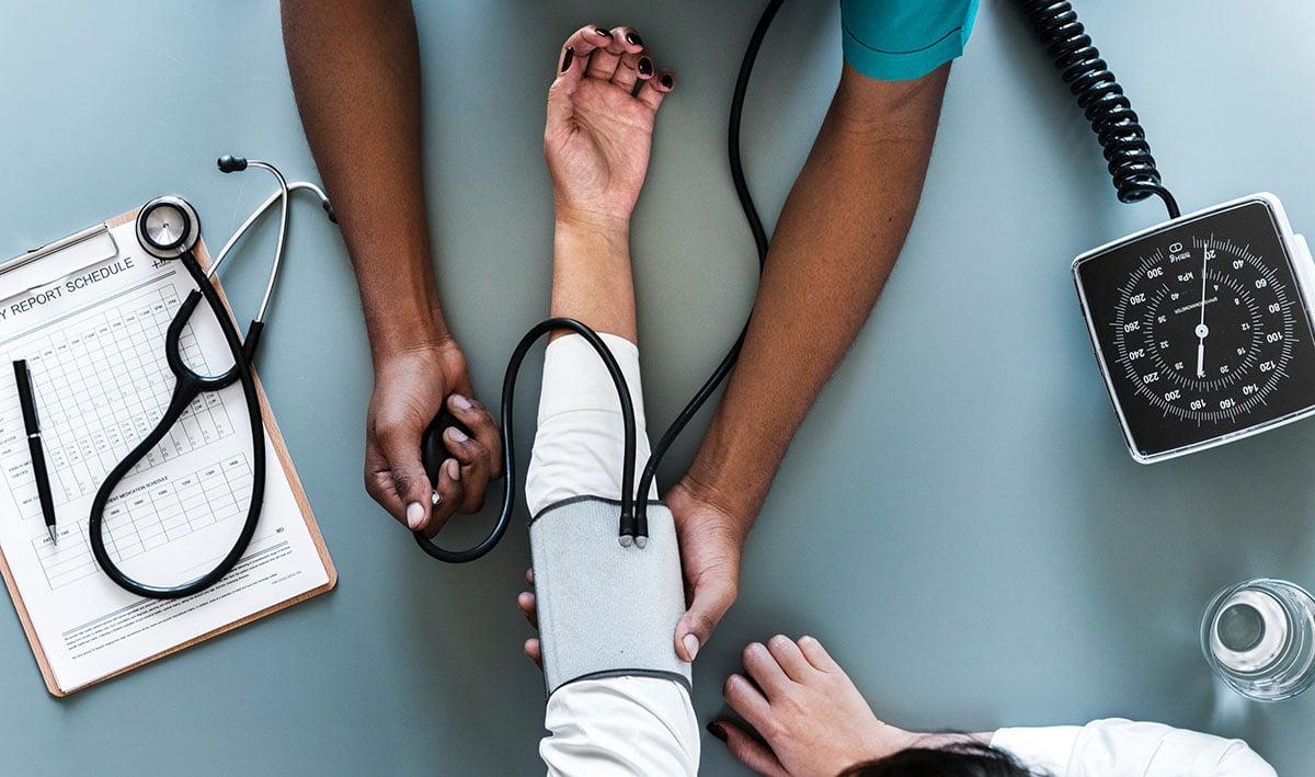 tar prøve hos legen for sykmelding